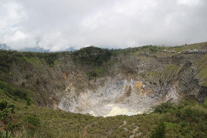 volcan tomohon