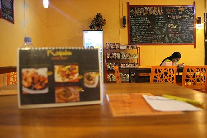 yayuku restaurant tentena