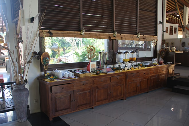 Buffet petit déjeuner Siddhartha Resort Diving Center Tulamben Bali