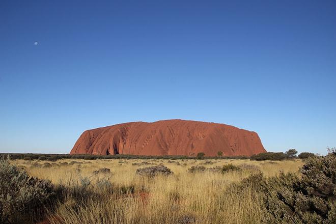 Coucher de soleil Uluru debut
