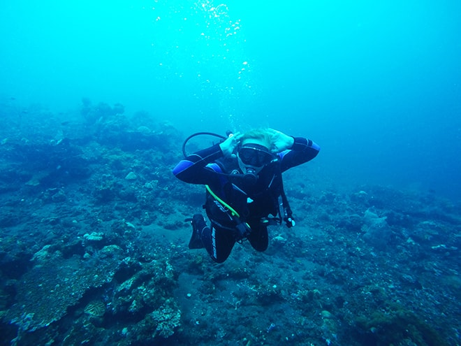 Elo plongee Tulamben Bali Yos Marine Epave Liberty plonger à Tulamben