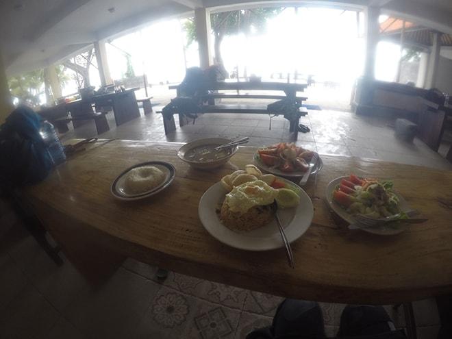 Repas plongee Tulamben Bali Yos Marine Epave Liberty