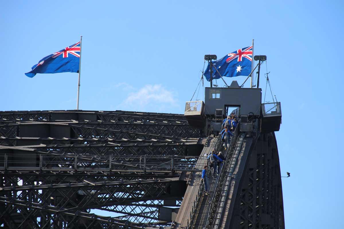 Bridge Climb pont drapeau Sydney Australie
