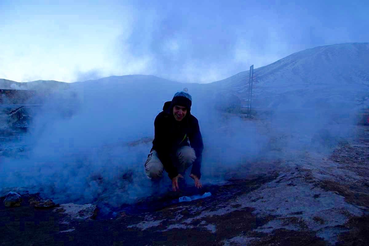 Tom fumee geysers atacama