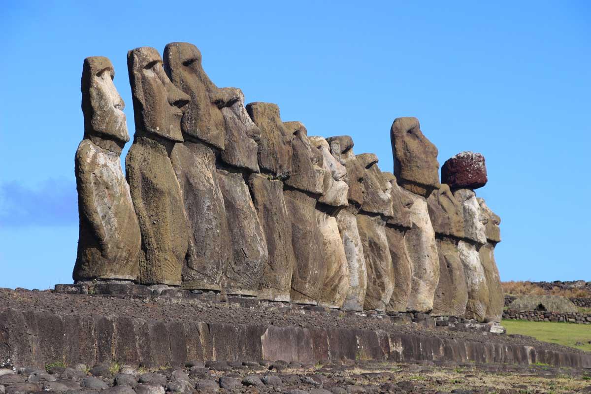 15 moai tongariki île de pâques chili