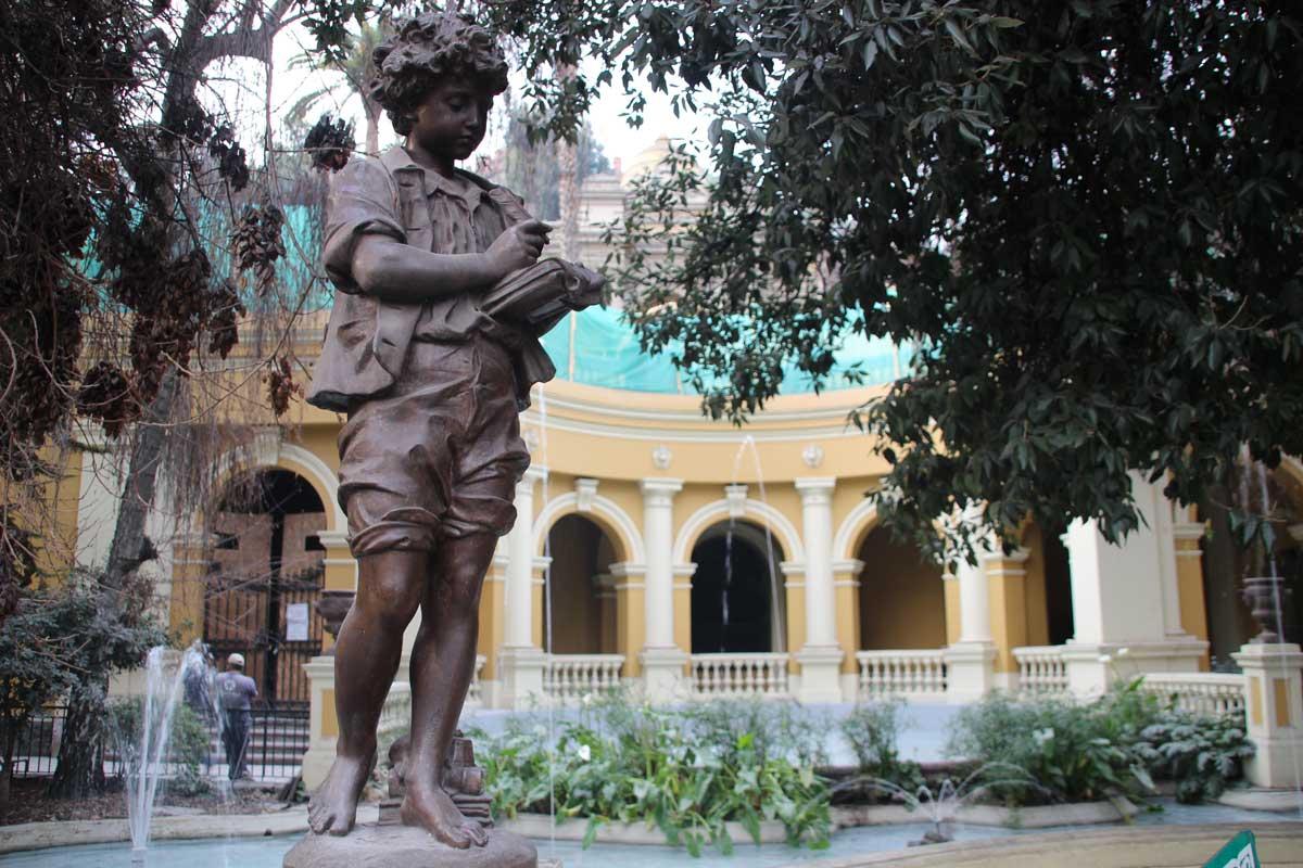 statue fontaine Cerro Santa Lucia santiago