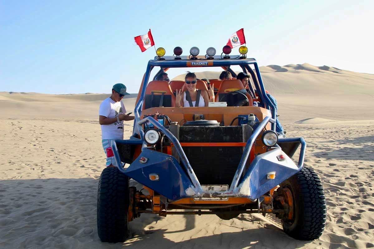 Elo buggy Oasis Huacachina Perou