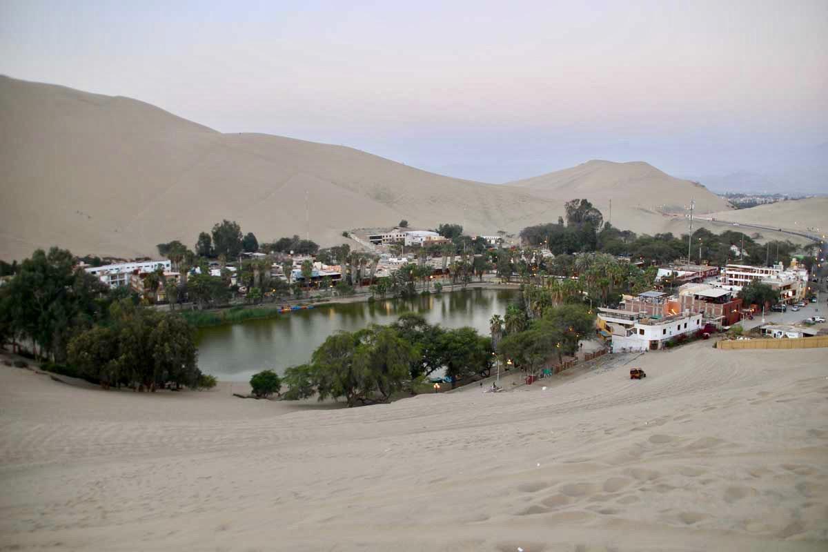 Oasis Huacachina Perou coucher de soleil