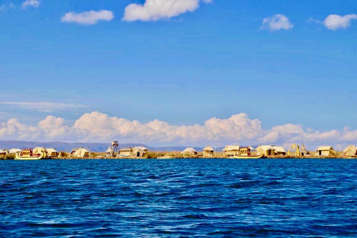 iles flottantes Uros Lac Titicaca Perou