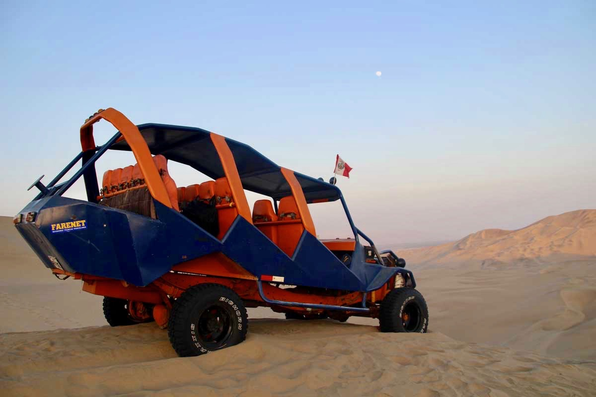 notre buggy Oasis Huacachina Perou