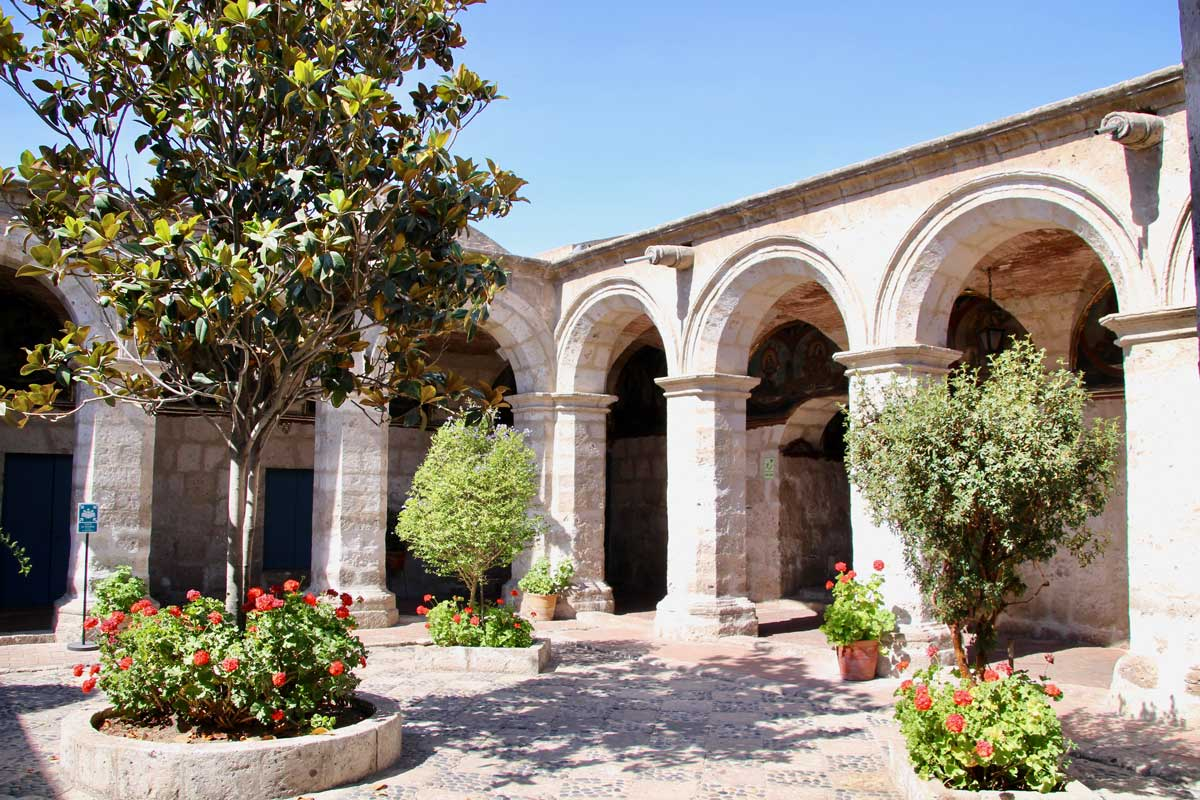 patio blanc Couvent Santa Catalina Arequipa