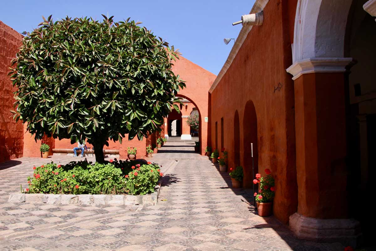 patio orange Couvent Santa Catalina Arequipa