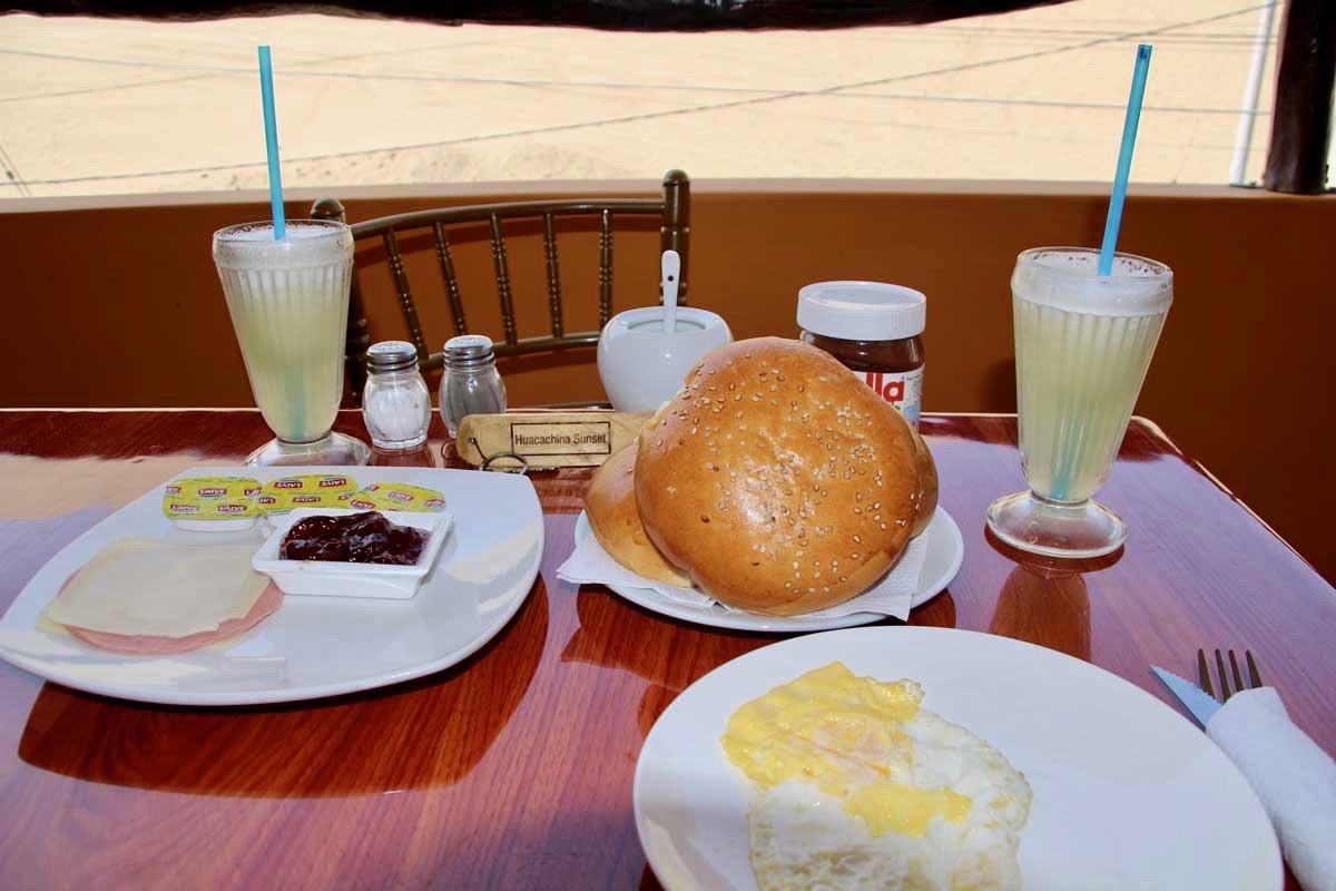petit dejeuner Oasis Huacachina Perou