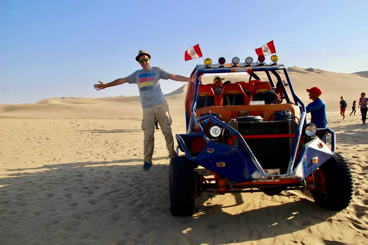 tom buggy Oasis Huacachina Perou