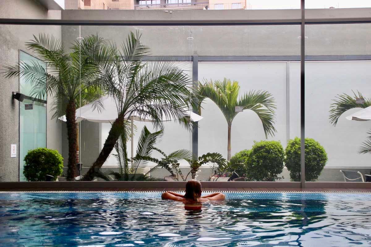 Vue piscine Casa Andina lima