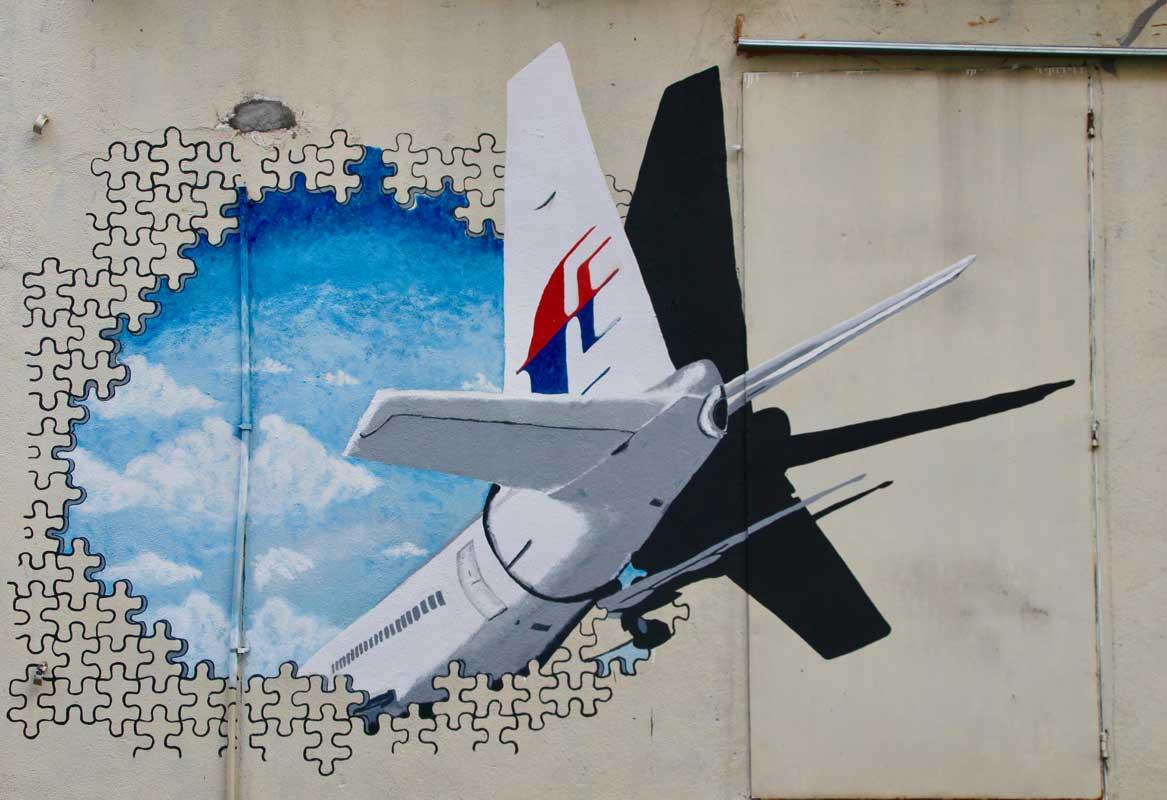 street art kuala lumpur avion malaysia airlines