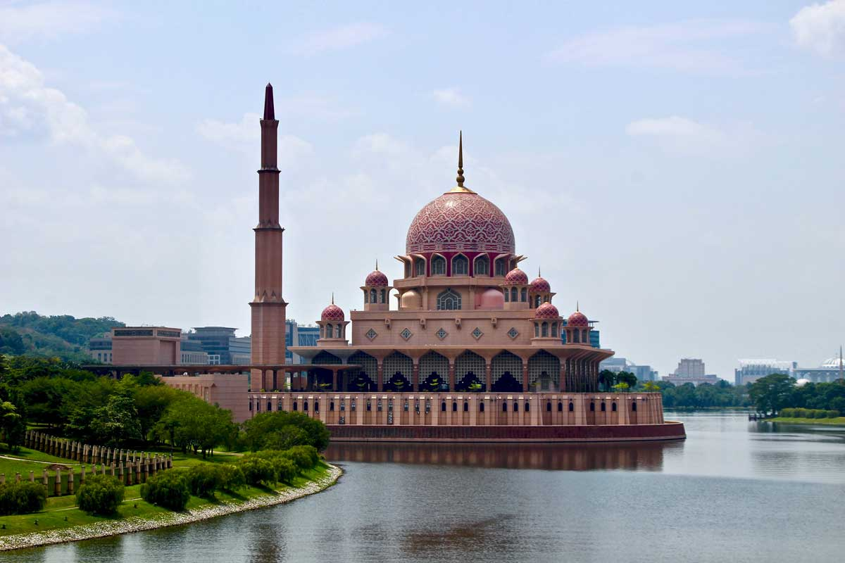 Visiter Putrajaya : Mosquée rose