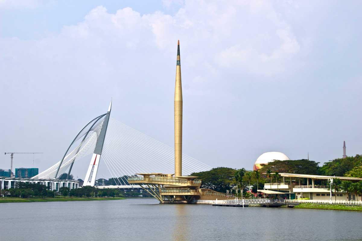 millenium monument putrajaya