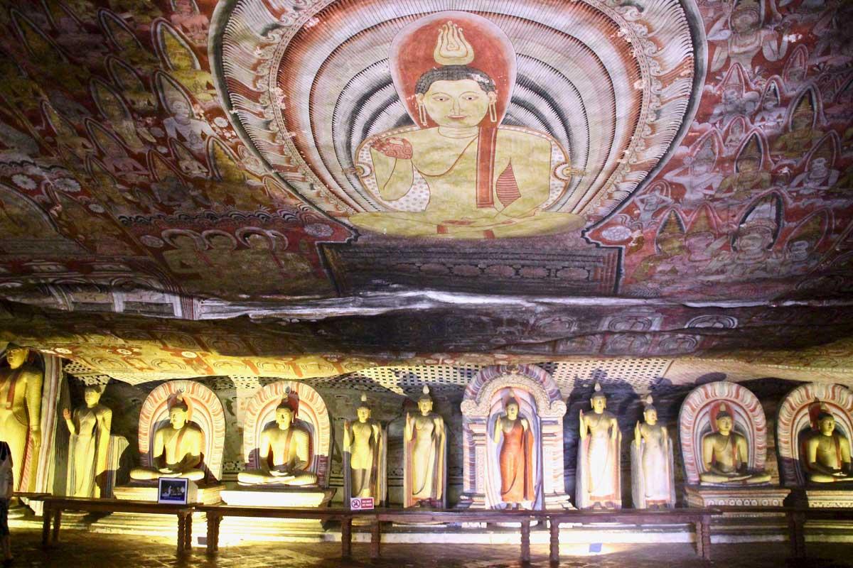 dambulla grottes sacrees bouddhas sri lanka
