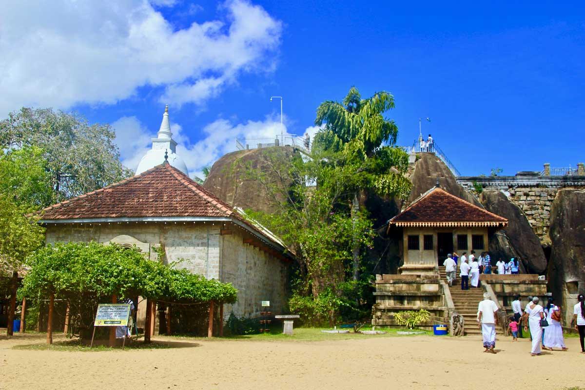 temple anuradhapura sri lanka