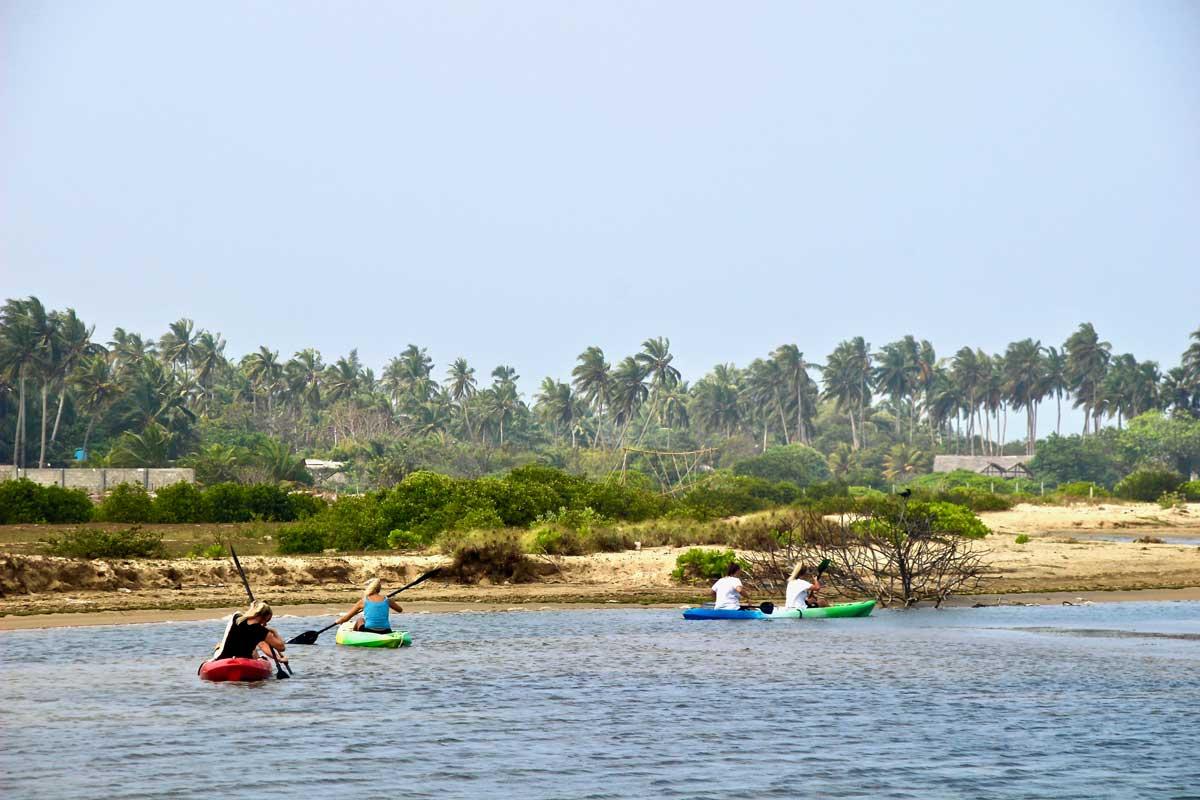 kayak kite Surfing Lanka Kalpitiya