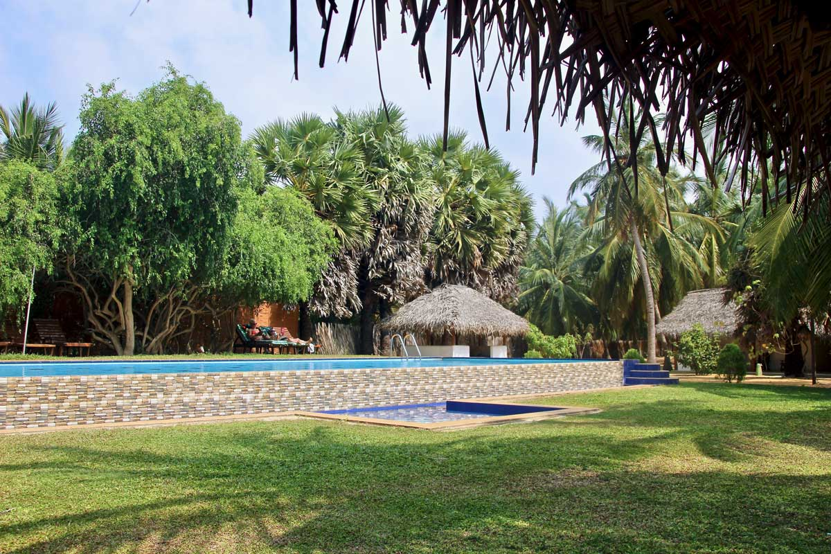 piscine Roshanne Beach Resort