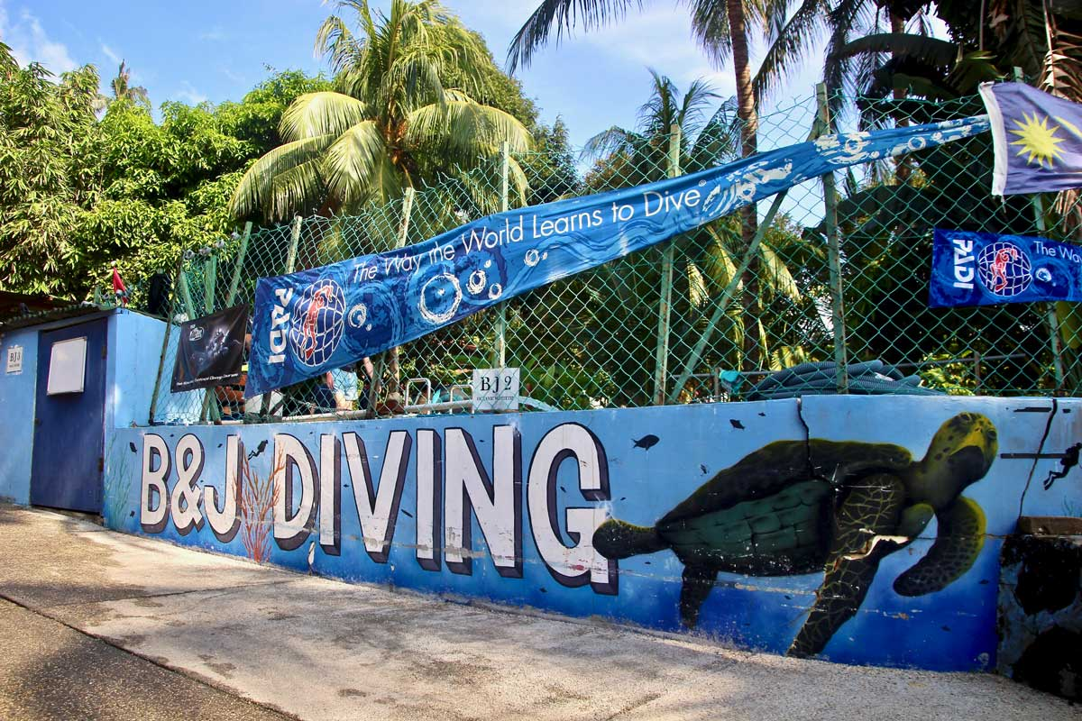 b&j dive center air batang tioman