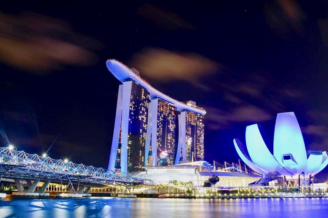 baie de Singapour de nuit