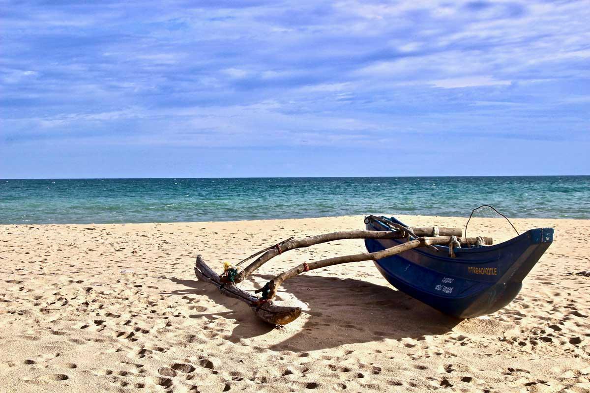 bateau plage Tangalle Sri Lanka