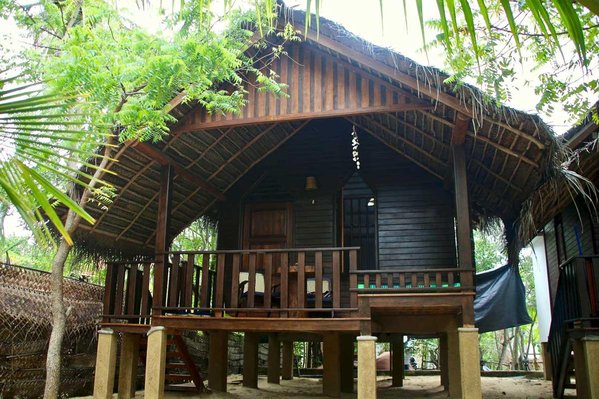 cabane plage tangalle