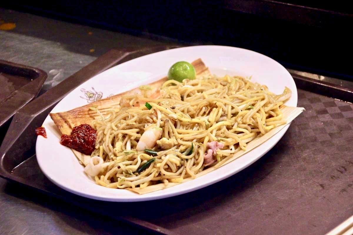 repas hawker foodcourt singapour