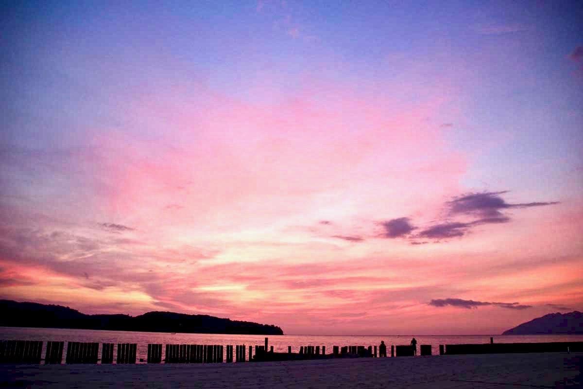 Couleurs coucher de soleil plage Langkawi