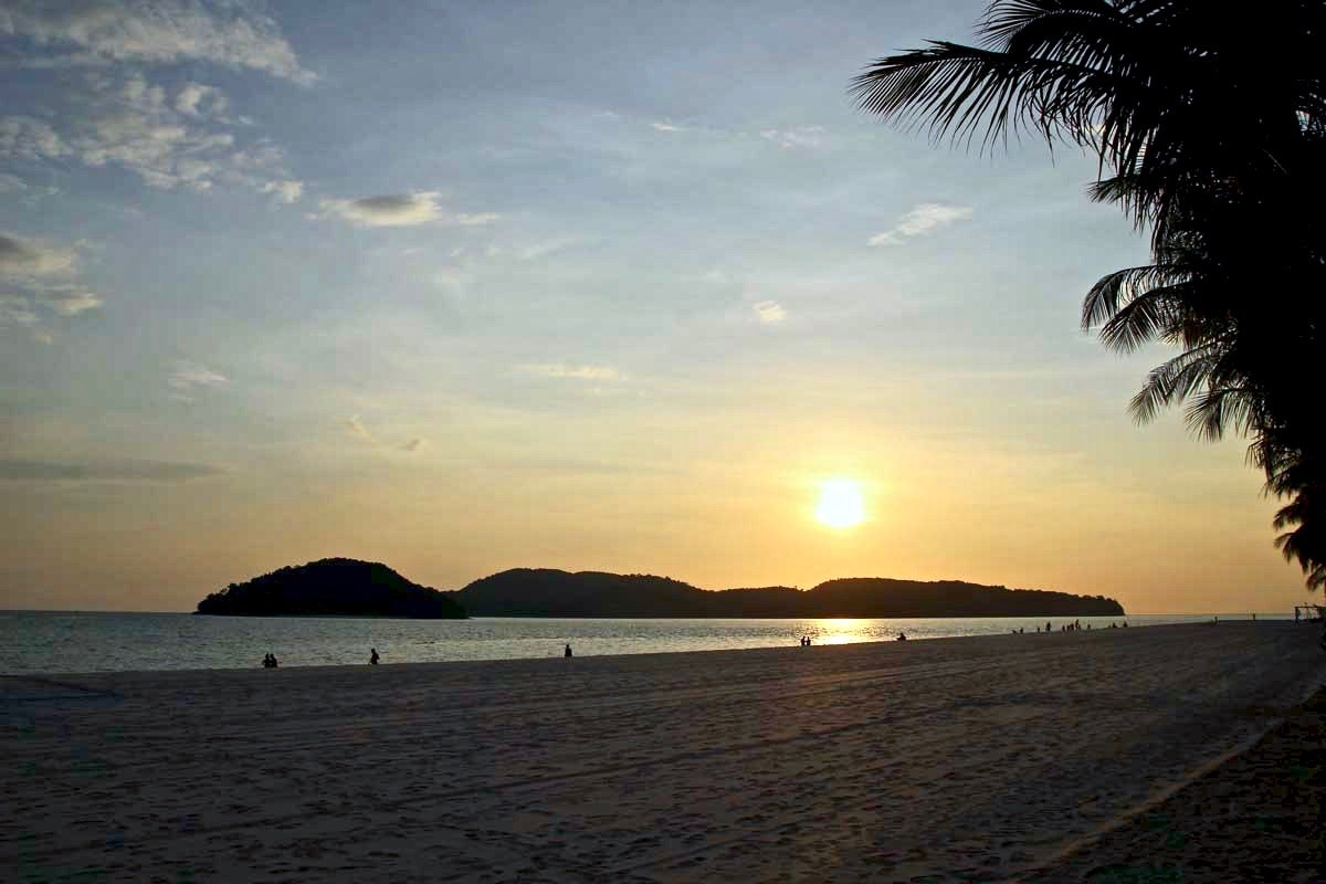 Pantaï Cenang plage Langkawi coucher de soleil