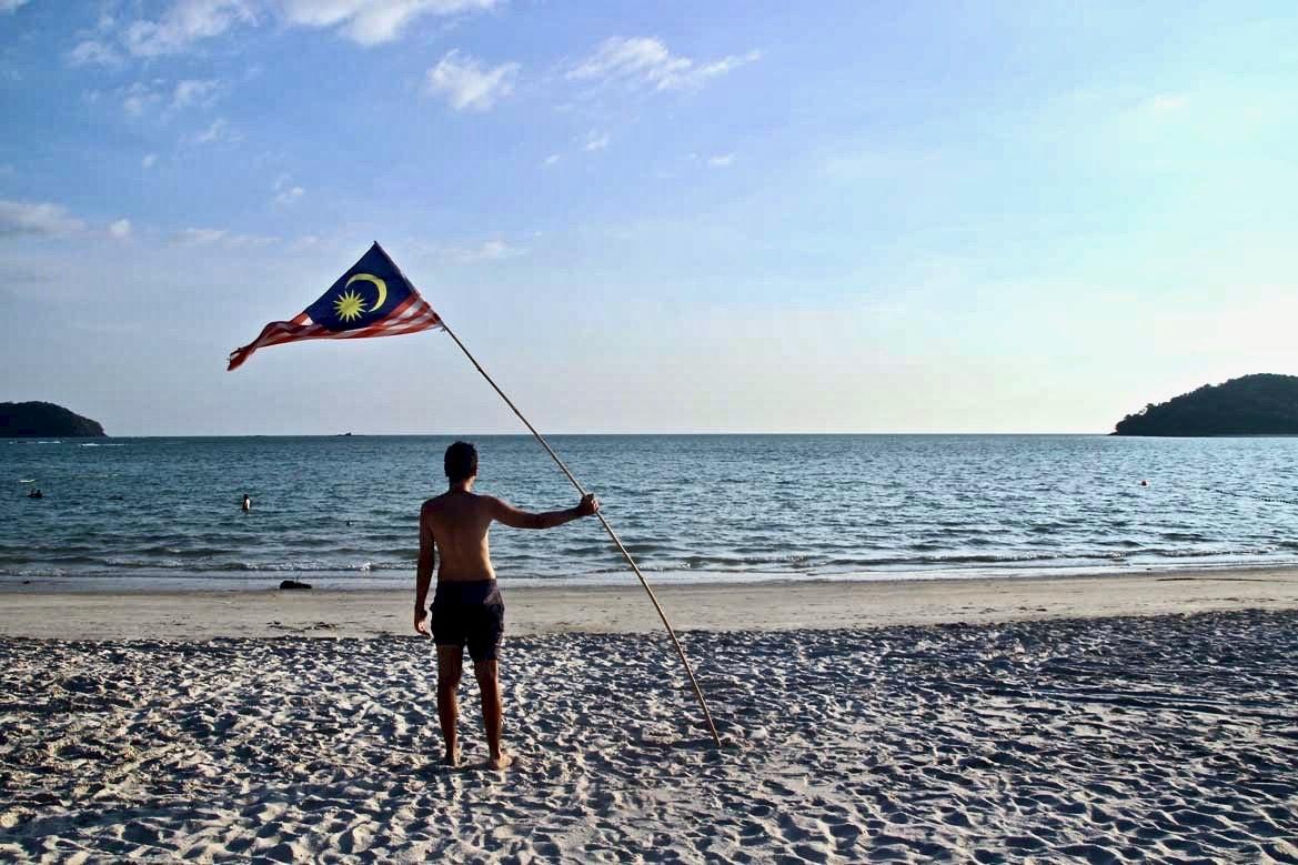Tom drapeau malaisie Plage du nord Langkawi