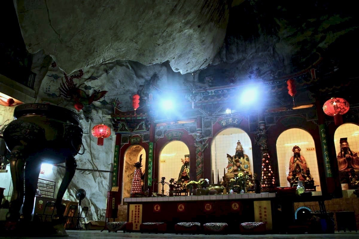 interieur temples chinois caves montagne Ipoh