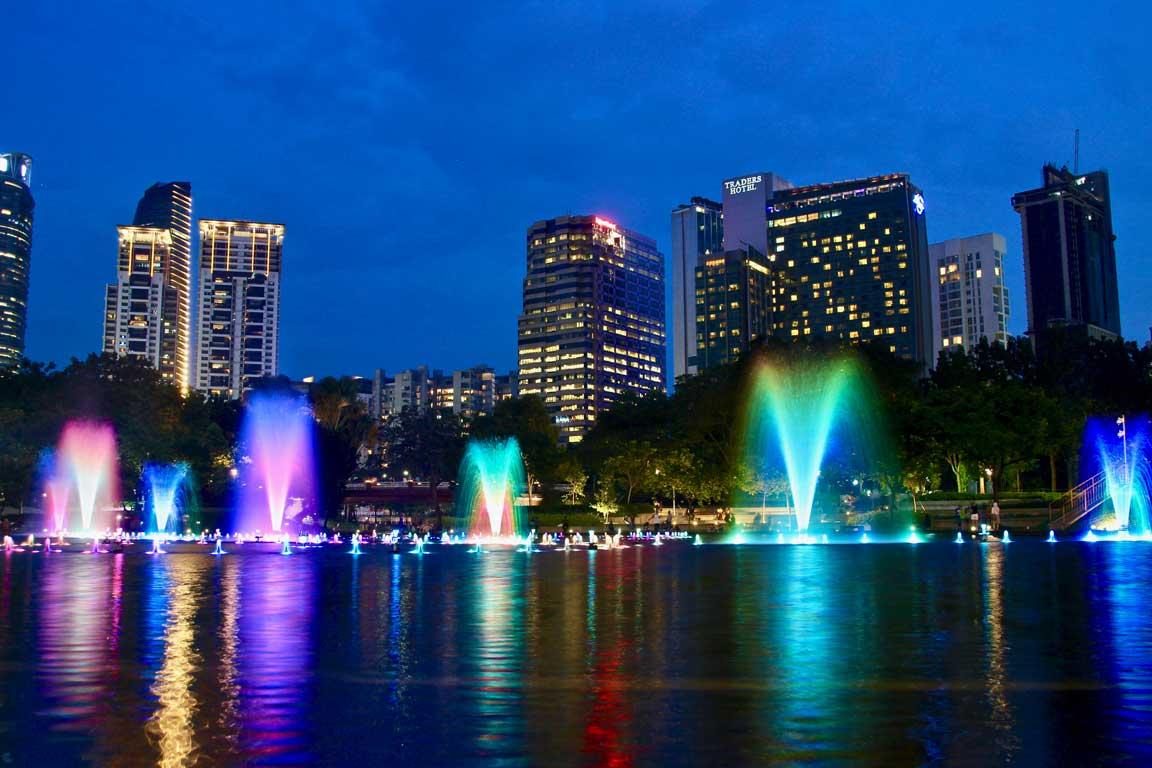 Spectacle fontaines Tours Petronas Kuala Lumpur