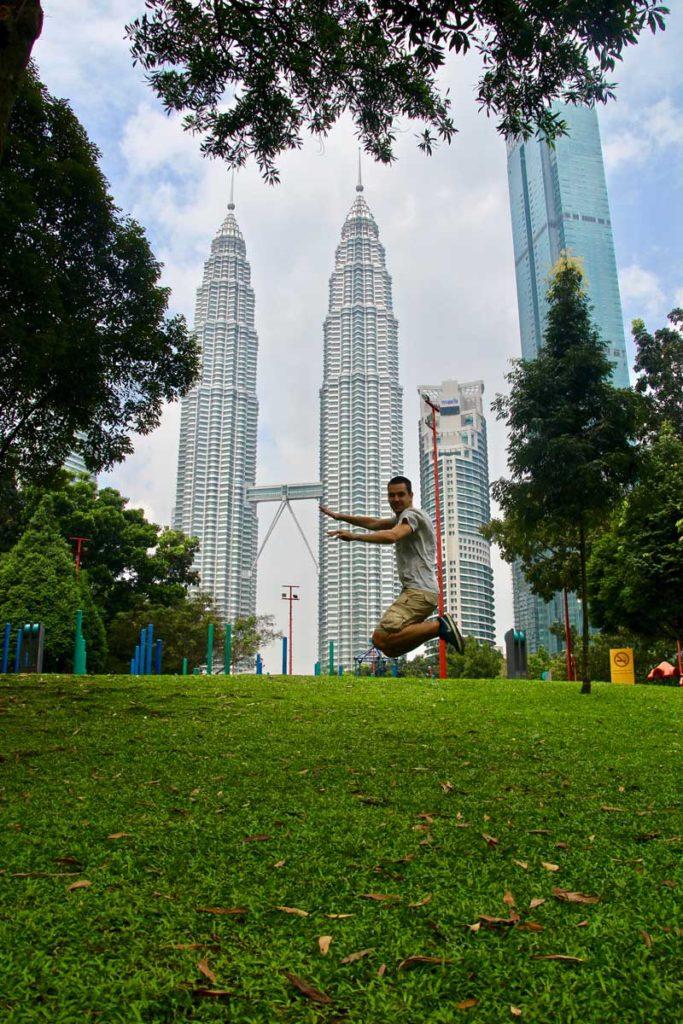 Tom Tours Petronas Kuala Lumpur