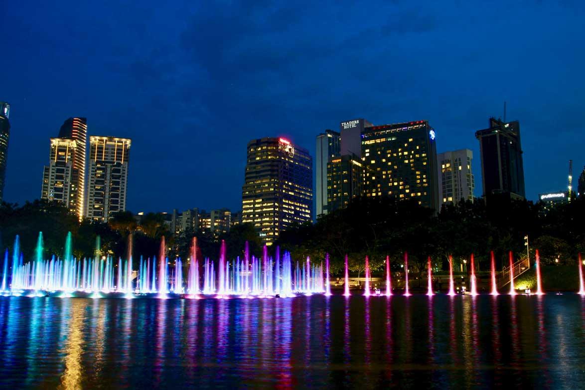 fontaines lumieres Tours Petronas Kuala Lumpur