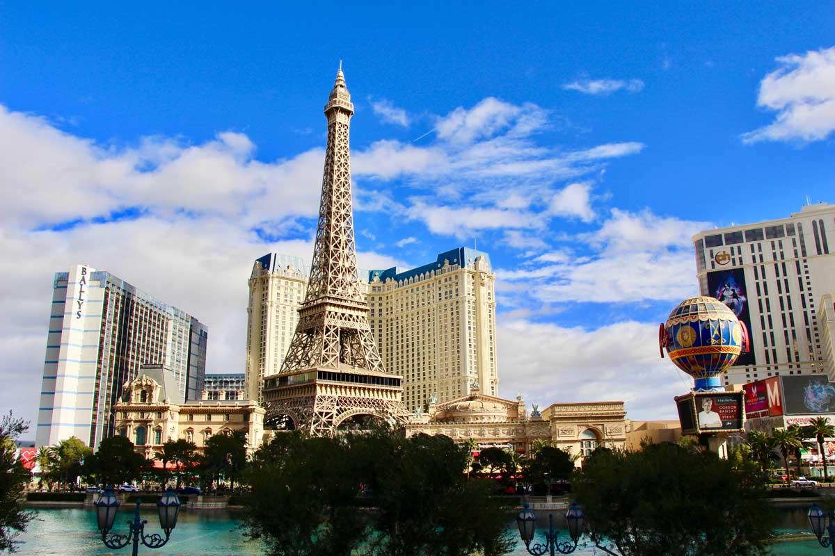 Hotel Casino Paris Las Vegas jour
