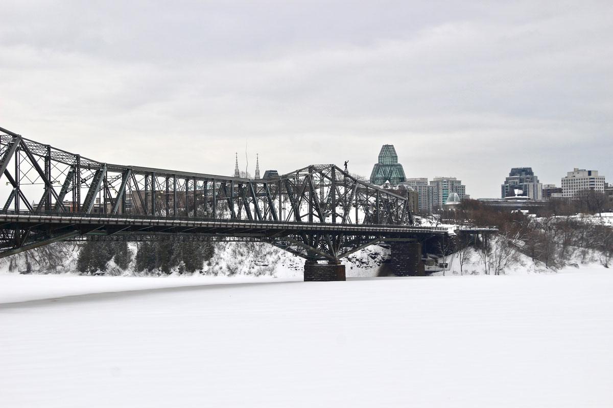 vue pont ottawa musee histoire Canada