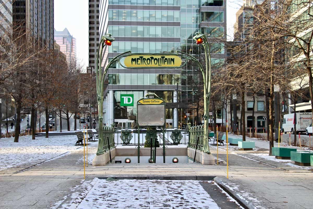 Entrée métro Square Victoria