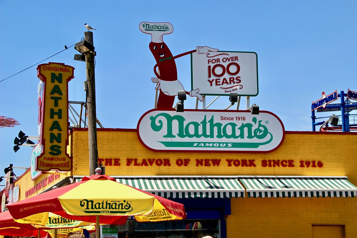 Hot Dog Nathans Brooklyn New York Visiter Brooklyn en 2 jours