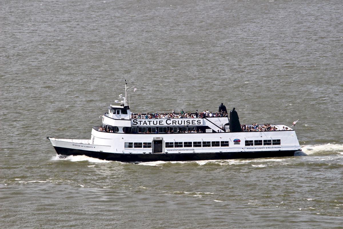 ferry statue liberte new york