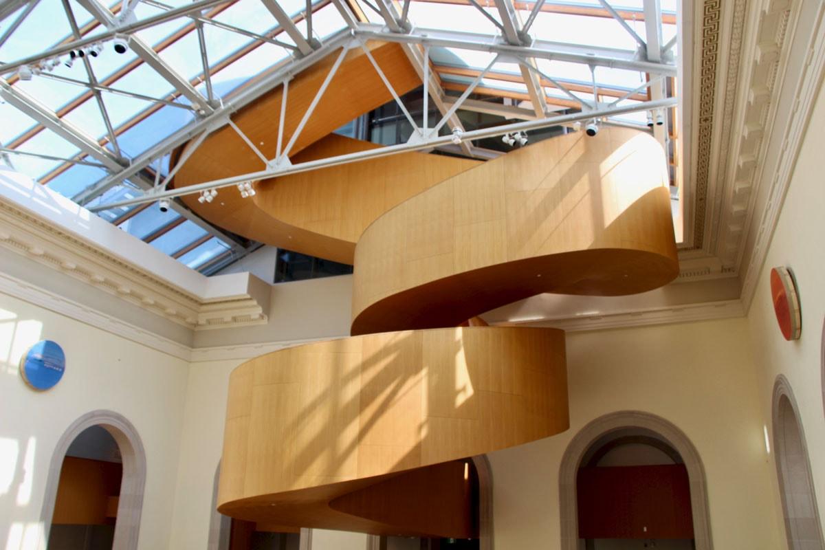 Escalier musee AGO Toronto