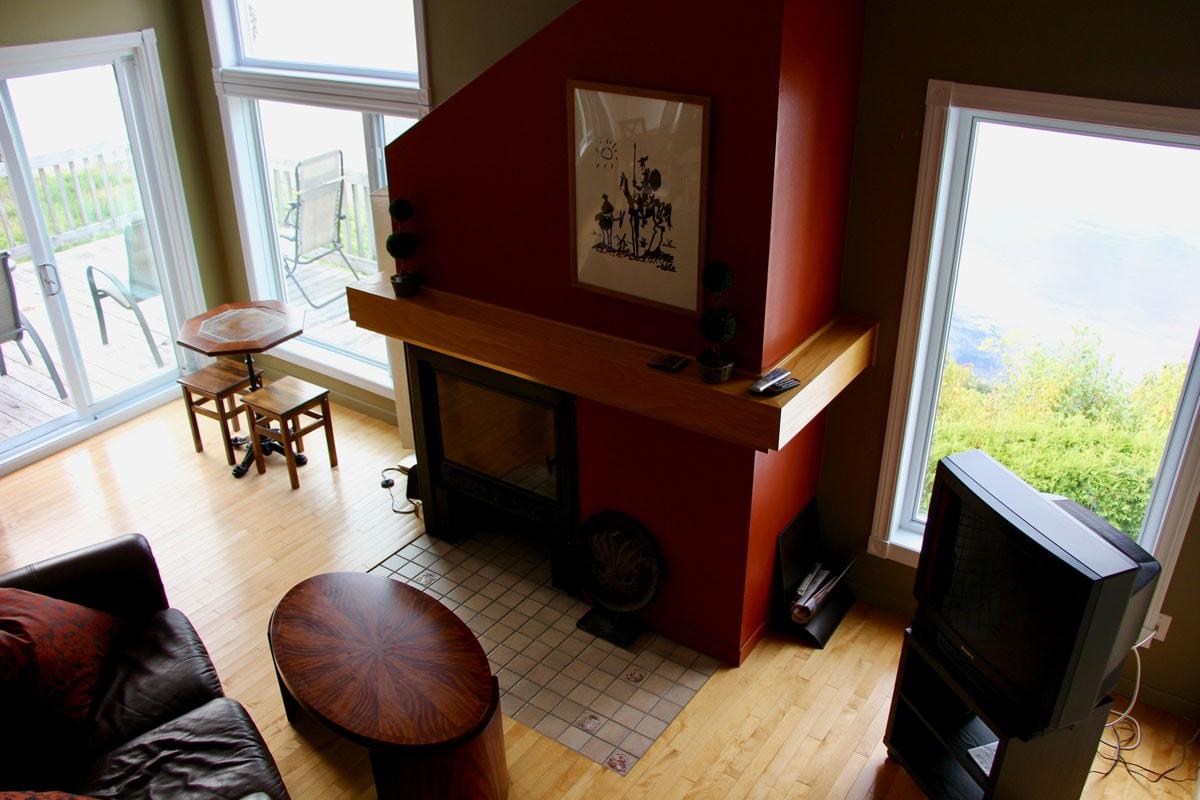 Salon chalet Fjord du Saguenay Quebec