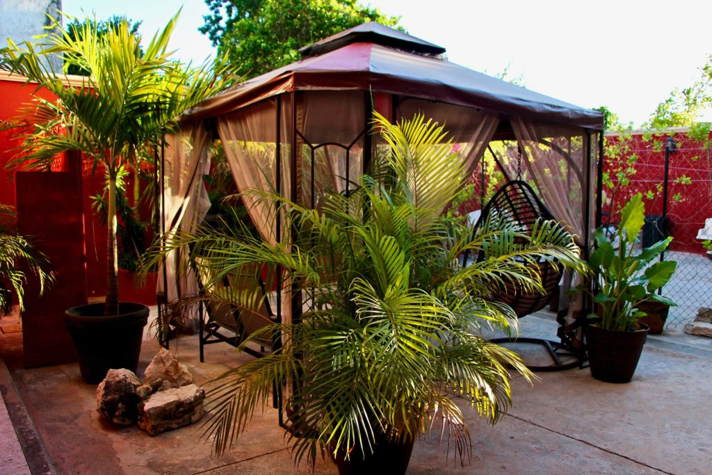 cour hotel Casa Mazejuwi Campeche