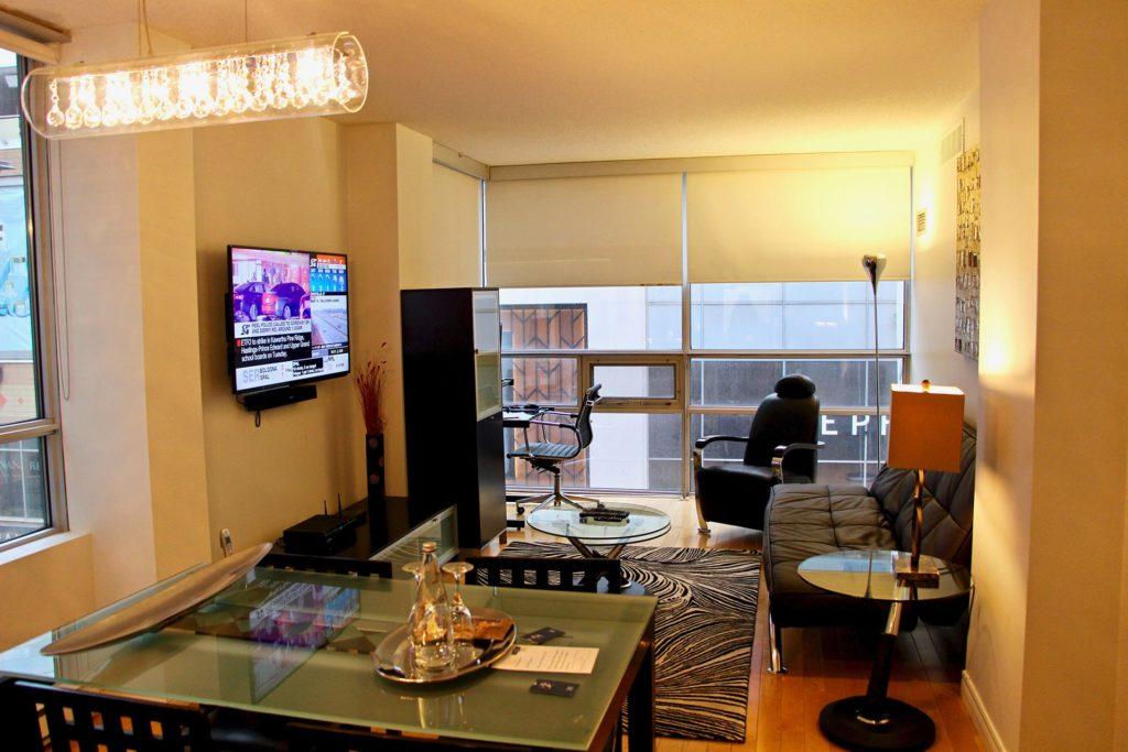 Cuisine Salon Yonge Suites Toronto