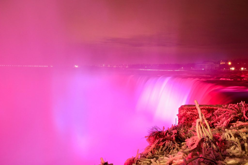 chutes niagara nuit illuminations