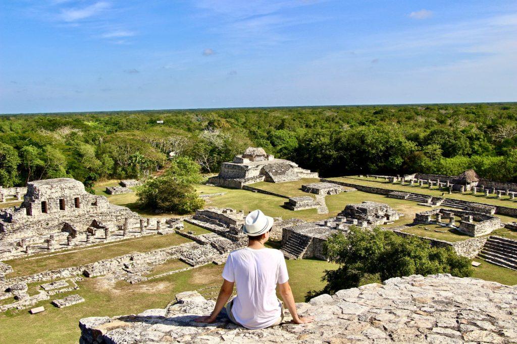 Tom vue ruines Mayapan Yucatan
