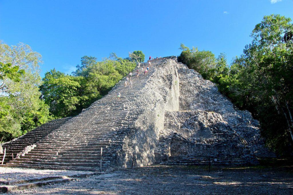 pyramide coba yucatan